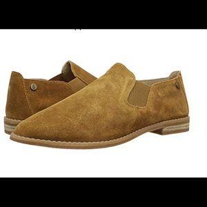 NWB Hush Puppies Suede Slip On Shoe